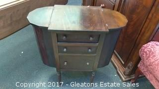 ANTIQUE NIGHT STAND/SIDE TABLE