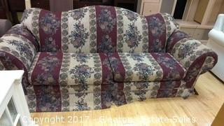 FLOWERLY PLUM COUCH