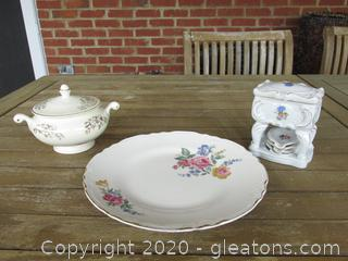 Homer Laughlin Eggshell Nautilus Sugar Bowl / Unmarked Rose Dinner Plate / Cigarette Box with Ashtrays ( Issue Alert)