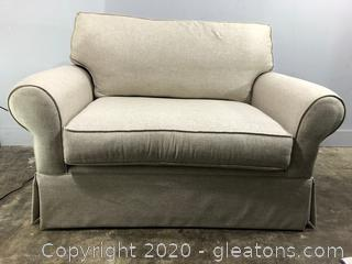 LIKE NEW Oversized Chair by Richards from Rooms To Go