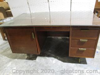 Wooden Mid Century Standard Furniture Executive Desk