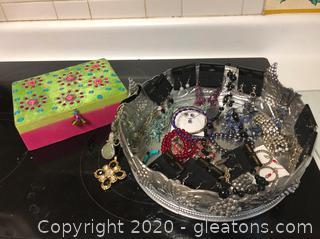 Mixed Lot Fashion Jewelry & Box (A)