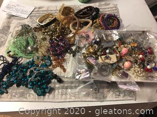 Huge Lot of Jewelry (C) About 100 Pieces