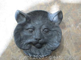 Vintage 1940's Cast Iron Jcat Head Ashtray