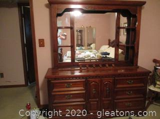 Vintage Traditional Dresser with Mirrored Hutch