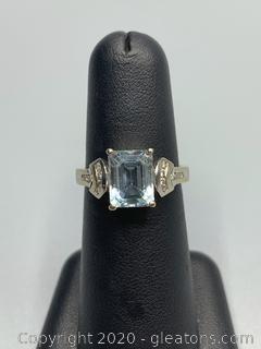 14k White Gold ,Diamond ,Aquamarine Ring