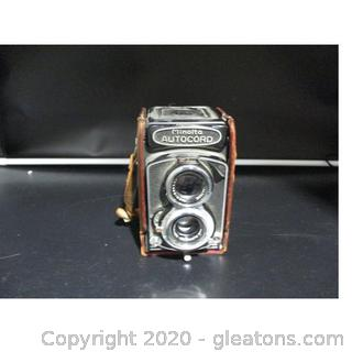 Vintage Minolta Autocord Camera and aCse