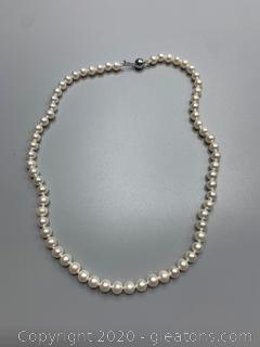 """Beautiful Pearl Necklace 17"""""""