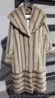 Ladies Faux Fur Coat-Size XL