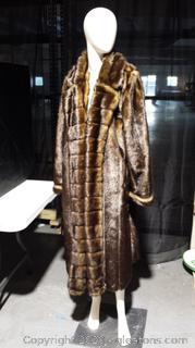 Ladies Faux Fur Coat-Size LG