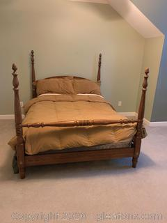 Vintage Ethan Allen 4 Post Queen Sized Bed