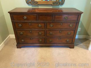 Henredon Dresser W/Built in Jewelry Drawer W/Lock