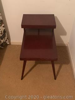 (A) Vintage Two Tiered End Table