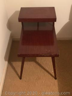(B) Vintage Two Tiered End Table