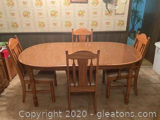 Vintage Broyhill Dining Table and Chairs