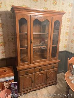 Vintage Broyhill China Cabinet