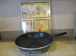 Pampered Chef Stir-Fry Skillet and Heat Resistant Placemats