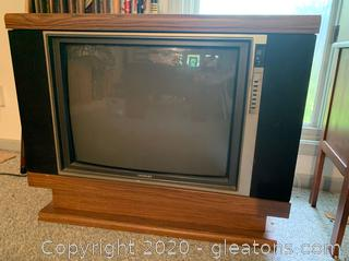 Retro Swivel TV
