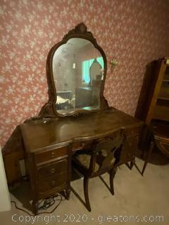 Vintage Sligh Furniture Desk W/Mirror & Chair