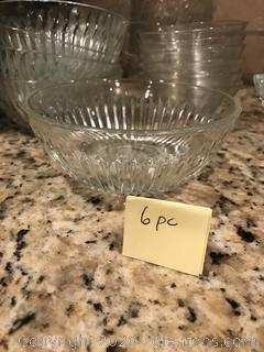 Lot of 18 glass bowls