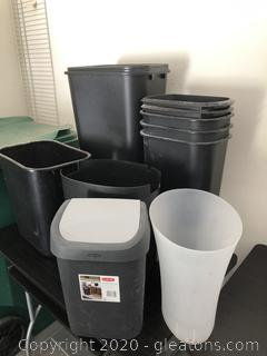 Lot of Small Waste Paper Baskets