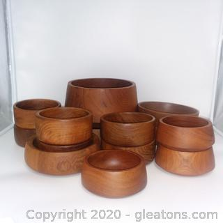 Wooden Bowls 14 Pieces