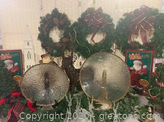 Christmas Wreaths and Tabletop Decor