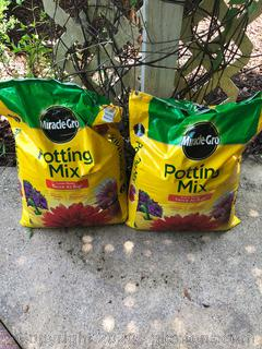 Miracle Grow Potting Mix 2 Bags