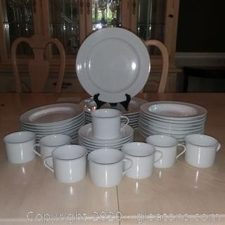 40 Piece Set of White Dinner Ware