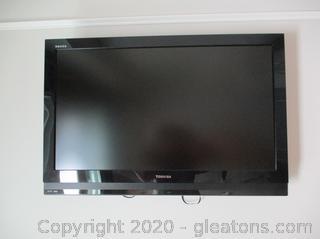 "Toshiba 42"" Regza TV Model 37HL67"