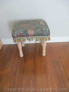 Upholstered Vanity Stool with Wooden Legs