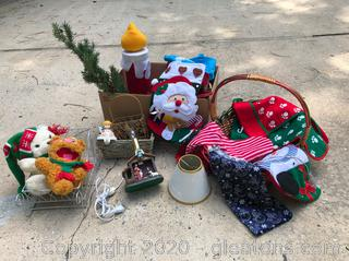 Christmas Lot A Nativity Lamp and more