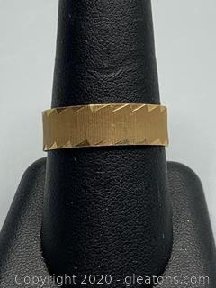14k Men's Wedding Band