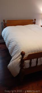 Johnson Carper Vintage Double Maple Bed with Mattress Set
