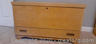 Retro Virginia Maid Cedar Chest with 1 Drawer