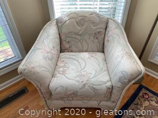 Capris Furniture Chair