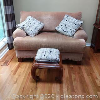 Unique Design Footrest with 2 matching Pillows