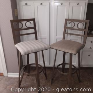 Set of 2 Metal Barstools with Upholstered Seats B