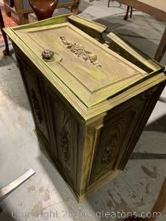 Vintage Faux Woodgrain Hamper