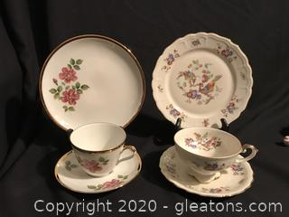 2 sets of luncheon plates