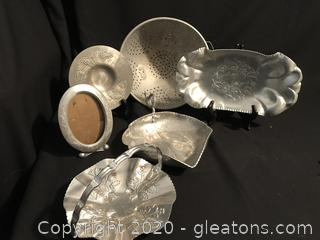 Hammered aluminum 5 pieces and vintage strainer