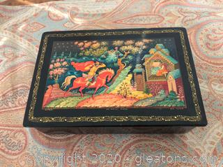 Vintage Russian Shellac (Lacquer) Trinket Box