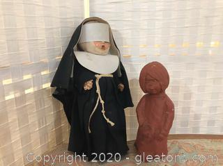 2 Female Décor Statues Vintage
