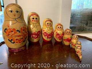 Matryoshka 11pc Wooden Nesting Dolls