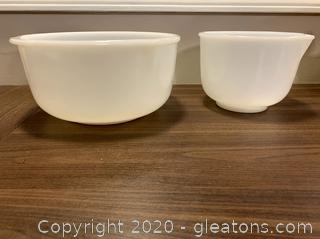 2 vintage Sunbeam Mixmaster Glass Mixing Bowls