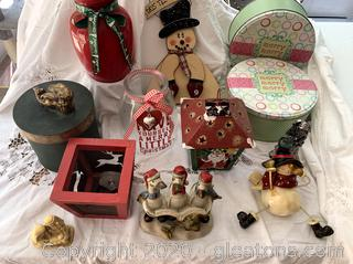 Assorted Christmas Decor Lot