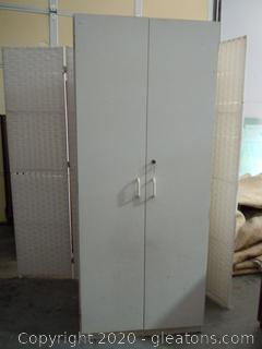Locking White Storage Cabinet W/Key