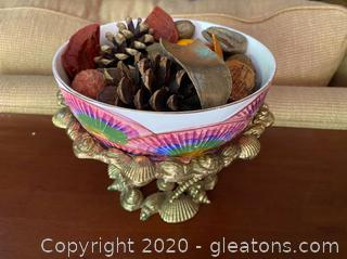Shell Themed Ceramic Bowl w/ Stand