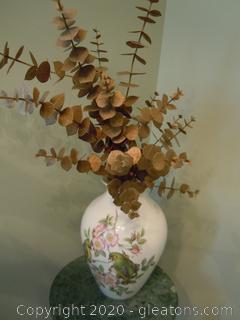 Vintage Spode Vase with Gold Color Leaf Arrangement