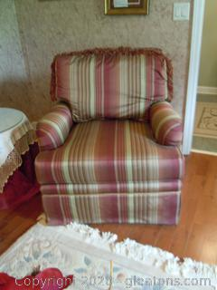Vanguard Cushioned Arm Chair (A) Goes with 8207